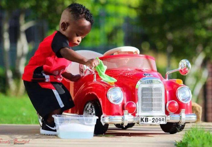 Les voitures électriques enfants, la passion de l'auto à ses débuts